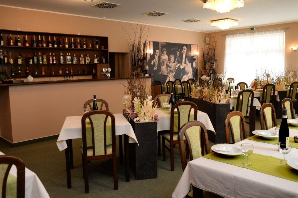 Hotelu Apeyron Český Brod 5