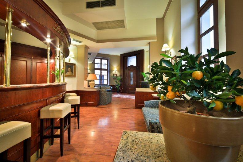Hotelu Carlton Praha 12