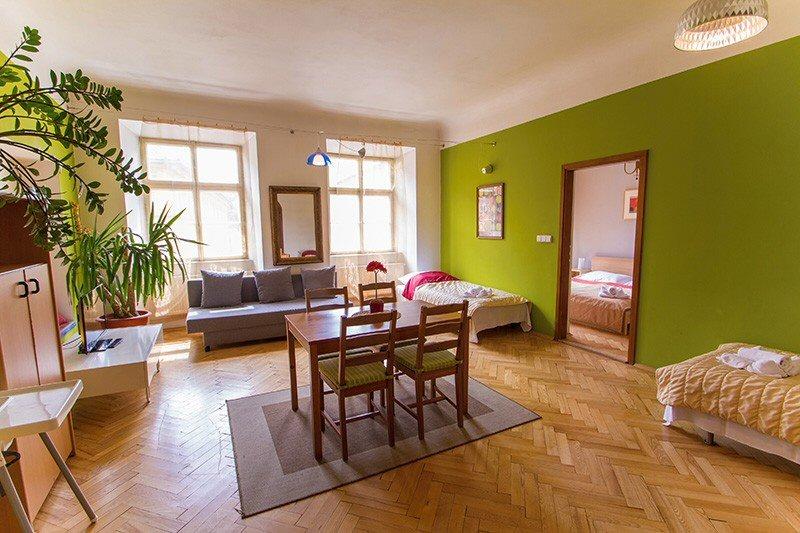 Hotelu Zlatá Podkova Praha 3