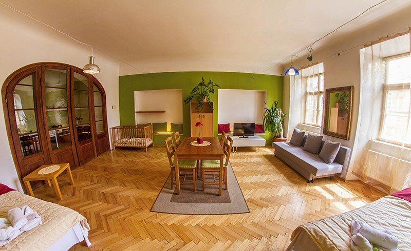 Hotelu Zlatá Podkova Praha 5