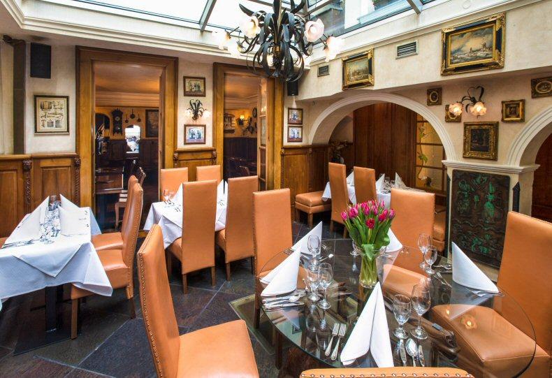 Hotelu Zlatý Strom Praha 8