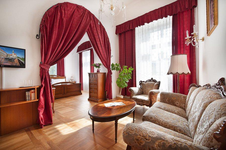 HOTEL HRUBÁ SKÁLA TURNOV