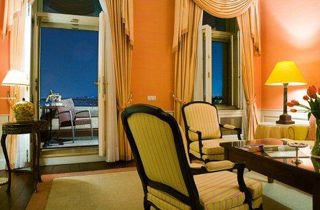 Hotelu Le Palais Praha 2