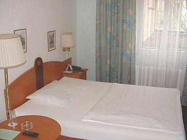 Hotel Merkur photo 2