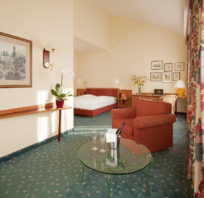 Hotel NH photo 10
