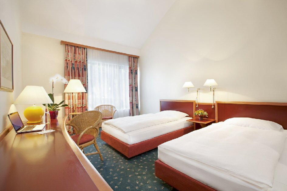 Hotel NH photo 11