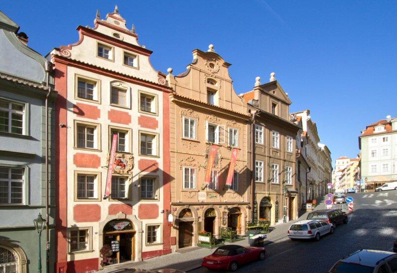 Hotelu Červený Lev Praha 9