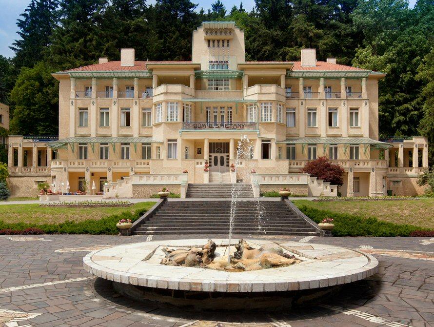 HotelDům Bedřicha Smetany Luhačovice