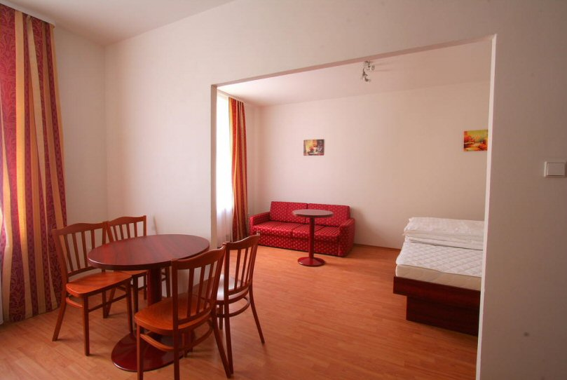 Hotelu Susa Praha 12
