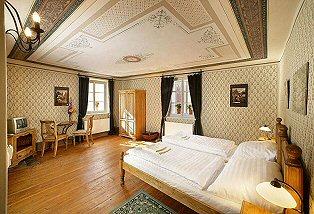 HOTEL U TŘÍ HAVRANŮ ČESKÝ KRUMLOV