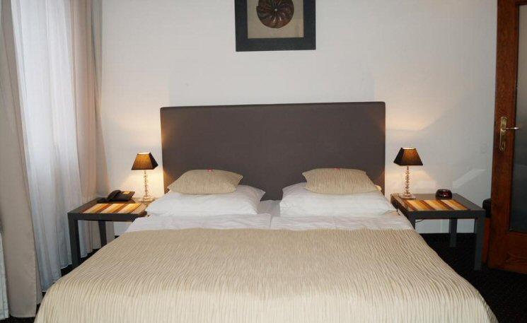 Hotel U Tri Pstrosu photo 1